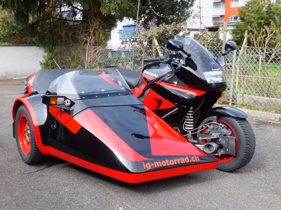 Kawasaki ZZ-R 1100 mit EML Speed 2000